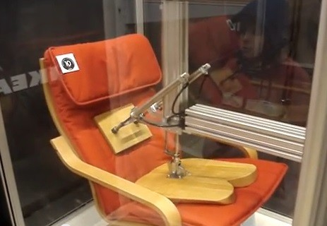オードリ―がイスを壊した動画!IKEA630万回テストの内容は?