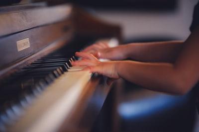 PanPiano(パンピアノ)の顔画像・素顔は清楚系美人!本名・経歴・年齢も!